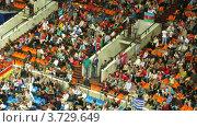 Купить «Зрители на XXX Чемпионате мира по художественной гимнастике», видеоролик № 3729649, снято 12 декабря 2010 г. (c) Losevsky Pavel / Фотобанк Лори