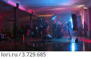 Купить «На съемках видеоклипа(Таймлапс)», видеоролик № 3729685, снято 18 декабря 2010 г. (c) Losevsky Pavel / Фотобанк Лори