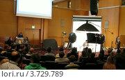 Купить «Алексей Сизов дает мастер-классы на II Международной конференции по STOCKinRUSSIA10 (таймлапс)», видеоролик № 3729789, снято 12 декабря 2010 г. (c) Losevsky Pavel / Фотобанк Лори