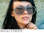 Портрет девушки в солнцезащитных очках. Стоковое фото, фотограф Ольга Алиева / Фотобанк Лори