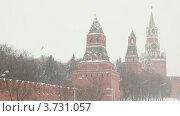 Башни Московского Кремля во время снегопада (2011 год). Стоковое видео, видеограф Losevsky Pavel / Фотобанк Лори