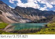 Горное озеро изумрудного цвета. Стоковое фото, фотограф Виктор Никитин / Фотобанк Лори