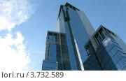 Купить «Московский небоскреб на фоне облачного неба, таймлапс», видеоролик № 3732589, снято 21 декабря 2010 г. (c) Losevsky Pavel / Фотобанк Лори