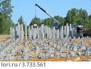 Строительные железобетонные сваи. Стоковое фото, фотограф Воробьев Валерий / Фотобанк Лори