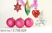 Купить «Новогодние украшения», видеоролик № 3738029, снято 17 июля 2011 г. (c) Losevsky Pavel / Фотобанк Лори
