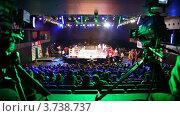 Купить «Подготовка к боксерскому поединку», видеоролик № 3738737, снято 16 июля 2011 г. (c) Losevsky Pavel / Фотобанк Лори