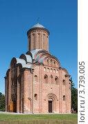 Купить «Пятницкая церковь в Чернигове», фото № 3739005, снято 24 июля 2012 г. (c) Онищенко Виктор / Фотобанк Лори