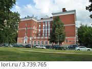 Купить «Школа № 711 (Президентская школа). Москва», эксклюзивное фото № 3739765, снято 4 июля 2012 г. (c) lana1501 / Фотобанк Лори