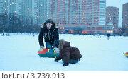Купить «Зимние забавы», видеоролик № 3739913, снято 28 апреля 2011 г. (c) Losevsky Pavel / Фотобанк Лори