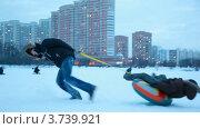 Купить «Зимние забавы», видеоролик № 3739921, снято 28 апреля 2011 г. (c) Losevsky Pavel / Фотобанк Лори
