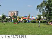 Купить «Детская площадка в парке города Одинцово. Московская область», эксклюзивное фото № 3739989, снято 4 июля 2012 г. (c) lana1501 / Фотобанк Лори