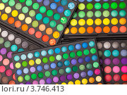 Тени для век в наборе крупным планом. Стоковое фото, фотограф Discovod / Фотобанк Лори
