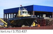 Купить «Строящиеся судно на стапеле», фото № 3753437, снято 2 апреля 2012 г. (c) Алексей Бекетов / Фотобанк Лори