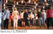 Купить «Пасажиры разучивают танец на борту круизного лайнера», видеоролик № 3754617, снято 12 августа 2011 г. (c) Losevsky Pavel / Фотобанк Лори
