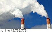 Купить «Белый дым идут из труб на фоне синего неба», видеоролик № 3755773, снято 6 сентября 2011 г. (c) Losevsky Pavel / Фотобанк Лори