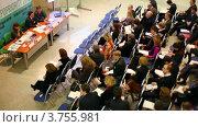 Купить «Люди сидят на Конференции Expopriority, 2-й Международный форум по интеллектуальной собственности, Экспоцентр», видеоролик № 3755981, снято 6 ноября 2011 г. (c) Losevsky Pavel / Фотобанк Лори