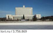 Купить «Дом Правительства Российской Федерации в Москве», видеоролик № 3756869, снято 15 сентября 2011 г. (c) Losevsky Pavel / Фотобанк Лори