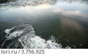 Купить «Судно рассекает лед на реке», видеоролик № 3756925, снято 14 сентября 2011 г. (c) Losevsky Pavel / Фотобанк Лори