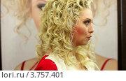 Купить «Лена Ленина на венецианском маскараде в бутике SERGIO BELLINI», видеоролик № 3757401, снято 20 сентября 2011 г. (c) Losevsky Pavel / Фотобанк Лори