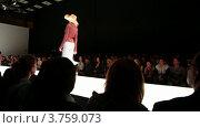 Купить «Российская неделя моды», видеоролик № 3759073, снято 6 ноября 2011 г. (c) Losevsky Pavel / Фотобанк Лори