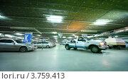 Купить «Машина с сиреной проезжает по подземной стоянке», видеоролик № 3759413, снято 5 октября 2011 г. (c) Losevsky Pavel / Фотобанк Лори
