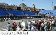 Купить «Военно-музыкальный фестиваль Спасская башня(таймлапс)», видеоролик № 3760481, снято 12 октября 2011 г. (c) Losevsky Pavel / Фотобанк Лори