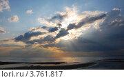 Купить «Пейзаж с облаком в форме копья, Финский залив в Сестрорецке», фото № 3761817, снято 23 июля 2011 г. (c) Алина Сбитнева / Фотобанк Лори