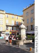 Купить «Улицы города Антиб, регион Прованс, Франция», фото № 3762593, снято 12 июня 2010 г. (c) ElenArt / Фотобанк Лори