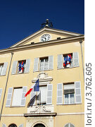 Купить «Здание в городе Антиб, Франция», фото № 3762605, снято 12 июня 2010 г. (c) ElenArt / Фотобанк Лори