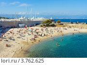 Купить «Отдых на пляже, Антиб, лазурное побережье Франции», фото № 3762625, снято 12 июня 2010 г. (c) ElenArt / Фотобанк Лори