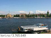 Адмиралтейство Санкт-Петербурга вид со стороны Невы (2011 год). Редакционное фото, фотограф Виктор Белевский / Фотобанк Лори