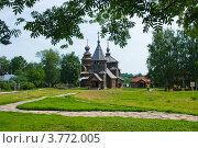 Купить «Город Суздаль, Музей деревянного зодчества, вид на Воскресенскую церковь», фото № 3772005, снято 27 июня 2011 г. (c) ElenArt / Фотобанк Лори