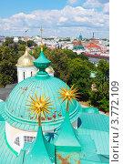 Вид сверху на купола православной церкви, Ярославль (2012 год). Редакционное фото, фотограф Яков Филимонов / Фотобанк Лори