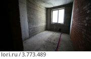 Купить «Комнаты и трубы в строящемся доме, таймлапс», видеоролик № 3773489, снято 10 января 2012 г. (c) Losevsky Pavel / Фотобанк Лори