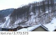 Купить «Рассвет отражается в вершине горы, выше канатная дорога и долина, таймлапс», видеоролик № 3773573, снято 1 марта 2012 г. (c) Losevsky Pavel / Фотобанк Лори