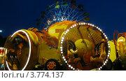 Купить «Карусель в огнях в парке Сокольники, таймлапс», видеоролик № 3774137, снято 10 января 2012 г. (c) Losevsky Pavel / Фотобанк Лори