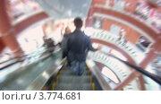 Купить «Покупатели ходят и посещают магазины торгового центра (таймлапс)», видеоролик № 3774681, снято 25 января 2012 г. (c) Losevsky Pavel / Фотобанк Лори