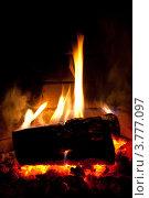 Купить «Горящие дрова», фото № 3777097, снято 18 августа 2012 г. (c) Иван Демьянов / Фотобанк Лори