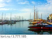 Купить «Роскошные яхты в порту Сен Пьер, Канны, Лазурный берег франции», фото № 3777185, снято 13 июня 2010 г. (c) ElenArt / Фотобанк Лори