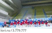 Купить «Выступление группы поддержки, таймлапс», видеоролик № 3779777, снято 15 апреля 2012 г. (c) Losevsky Pavel / Фотобанк Лори