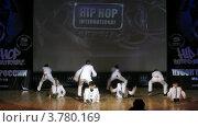 """Купить «Хип-хоп группа """"Lils"""" танцует на сцене Дворца Культуры, таймлапс», видеоролик № 3780169, снято 16 апреля 2012 г. (c) Losevsky Pavel / Фотобанк Лори"""