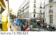 Купить «Открытый автобус едет по Мадриду днем, таймлапс», видеоролик № 3780821, снято 19 апреля 2012 г. (c) Losevsky Pavel / Фотобанк Лори