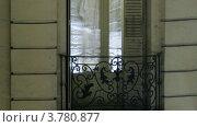 Купить «Мужчина и женщина говорят на балконе вечером», видеоролик № 3780877, снято 19 апреля 2012 г. (c) Losevsky Pavel / Фотобанк Лори