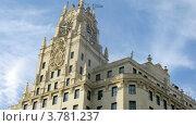 Купить «Здание с часами в Мадриде, таймлапс», видеоролик № 3781237, снято 20 апреля 2012 г. (c) Losevsky Pavel / Фотобанк Лори