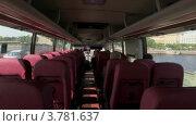 Купить «Салон автобуса, который едет по мосту через Неву», видеоролик № 3781637, снято 6 июня 2012 г. (c) Losevsky Pavel / Фотобанк Лори