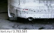 Купить «Автомобиль в пене», видеоролик № 3783581, снято 8 апреля 2012 г. (c) Losevsky Pavel / Фотобанк Лори