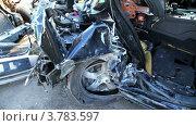 Купить «Автомобили после аварии», видеоролик № 3783597, снято 8 апреля 2012 г. (c) Losevsky Pavel / Фотобанк Лори
