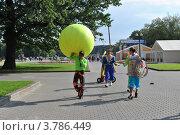 Купить «Фестиваль циркового искусства. Измайловский парк. Москва», эксклюзивное фото № 3786449, снято 26 августа 2012 г. (c) lana1501 / Фотобанк Лори