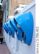 Купить «Уличные телефоны-автоматы. г. Ейск», фото № 3786453, снято 17 августа 2012 г. (c) Наталья Осипова / Фотобанк Лори