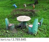 Стол и кресло из пней. Стоковое фото, фотограф Вячеслав Палес / Фотобанк Лори